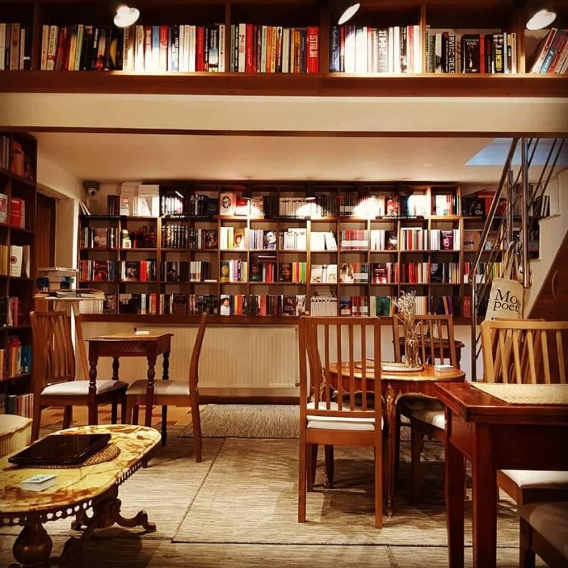 Cafeneaua filosofică în2019